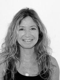 waltraud-wellfun-trainerin-fitness-yoga-saal-kelheim-nuad thai Yoga- körpertherapie